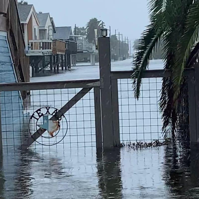 Beta crawls inland, dumping heavy rains and flooding streets on Texas coast