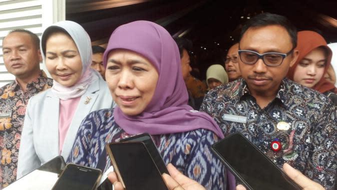 Gubernur Jawa Timur Khofifah Indar Parawansa saat rapat koordinasi Program Pembangunan dan Pemberdayaan Masyarakat Desa di Kota Batu (Liputan6.com/Zainul Arifin)