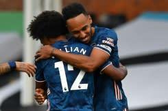 Hatrik Salah selamatkan Liverpool, Arsenal melesat saat Liga Premier dimulai