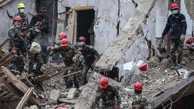 VIVA Militer: Pemukiman warga sipil di Ganja, Azerbaijan hancur