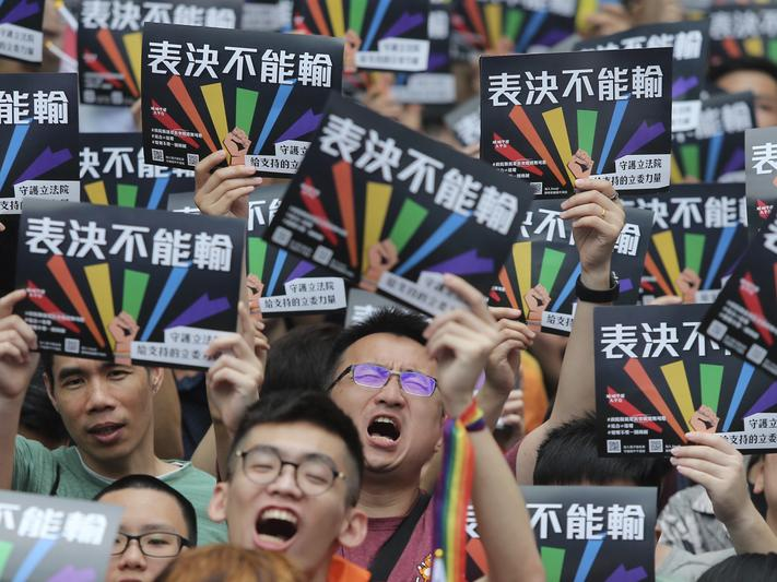 同志可以結婚了! 台灣成亞洲第一個合法化國家