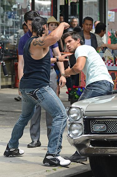 Taylor Lautner films a fighting scene for his new movie in New York City