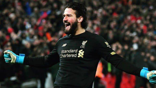 Sikap Tak Biasa Alisson, Buah Solidnya Pertahanan Liverpool