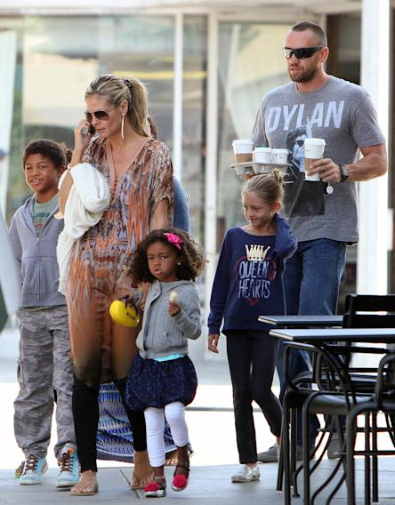Heidi Klum and Family Get Starbucks