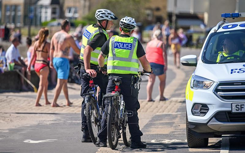 Police broke up hundreds of groups at the weekend - and ministers have warned advice may become the law - Jeff J Mitchell/Getty