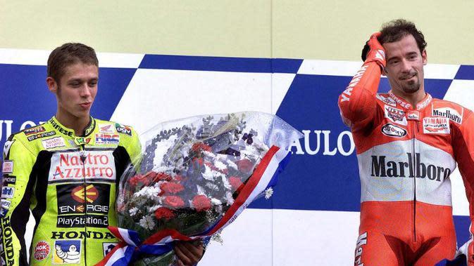 Valentino Rossi dan Max Biaggi (AFP)