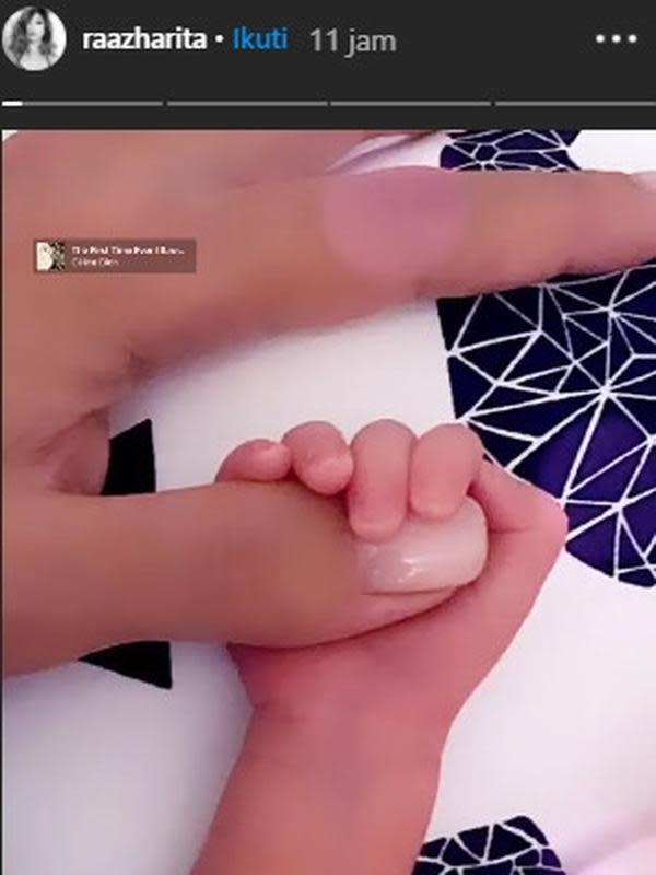 Rahma Azhari selepas melahirkan. (instagram.com/raazharita)