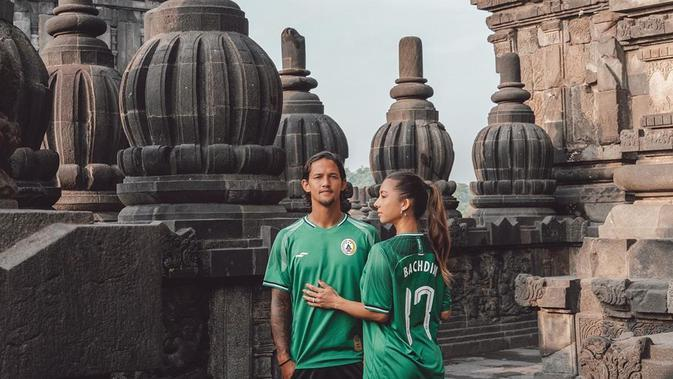Seleb cantik yang terlibat hubungan asmara dengan pemain sepakbola tanah air. (Sumber: Instagram @jenniferbachdim)