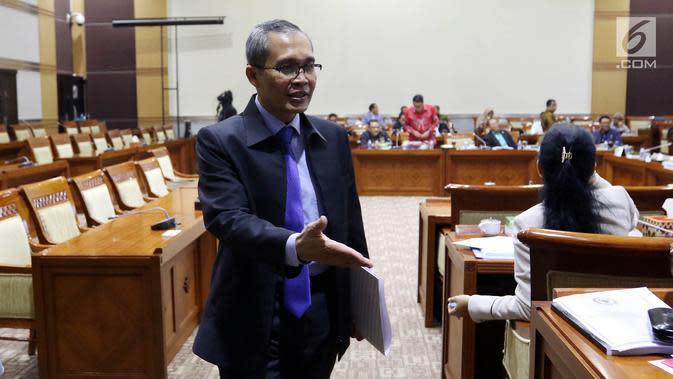 Calon Pimpinan (Capim) Komisi Pemberantasan Korupsi (KPK) yang juga merupakan Wakil Ketua KPK, Alexander Marwata hadir dalam uji kepatutan dan kelayakan (Fit and Proper test) Capim KPK di Komisi III DPR, Gedung Parlemen, Senayan Jakarta, Kamis (12/9/2019). (Liputan6.com/Johan Tallo)