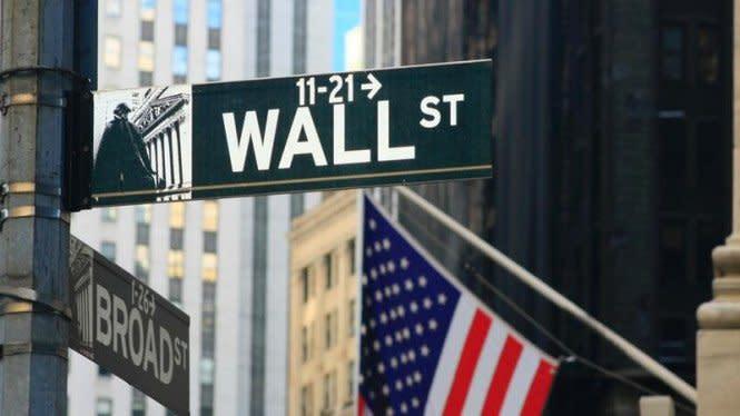 Bursa Wall Street Bergejolak Dapat Kabar Trump Positif COVID-19