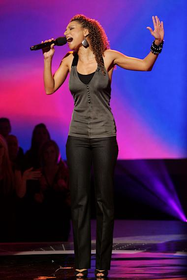 Sabrina Sloan performs in front of the judges on the 6th season of American Idol.