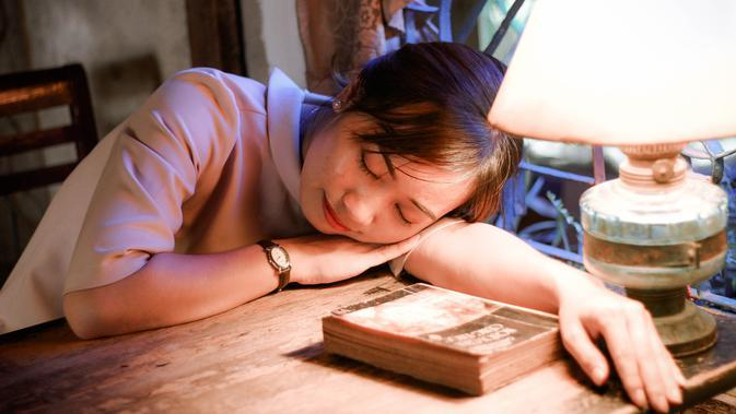 ilustrasi kurang tidur menyebabkan sistem kinerja otak menurun/pexels