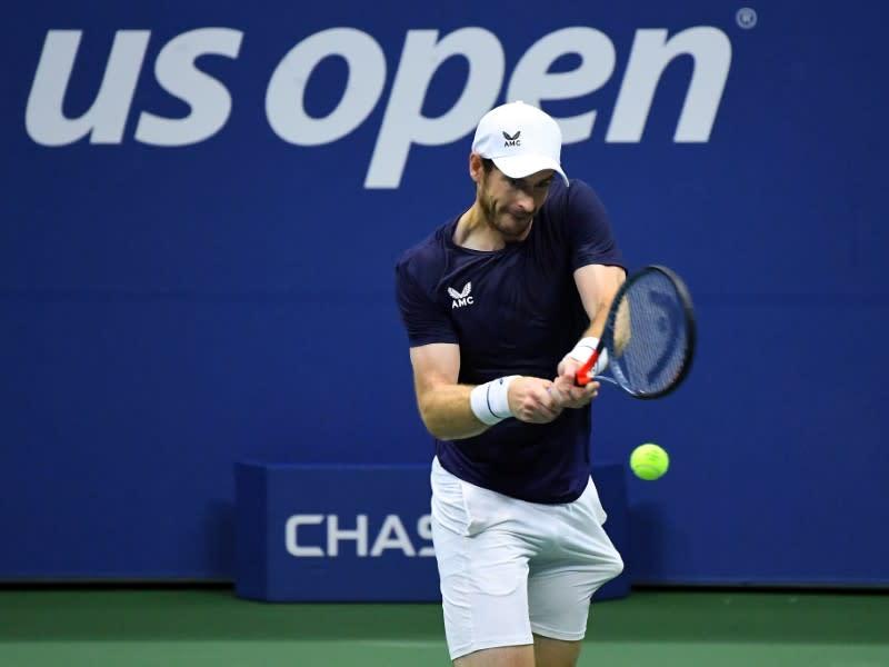 Murray faces brutal battle against old foe Wawrinka in Paris