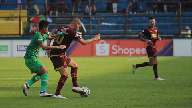 PSM Makassar menang 2-1 atas Kalteng Putra pada laga pekan ke-27 Shopee Liga 1 2019, di Stadion Andi Mattalatta Mattoangin, Makassar, Rabu (6/11/2019) sore WIB. (Bola.com/Abdi Satria)
