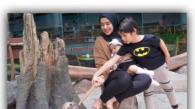 Fairuz A Rafiq Hamil Anak Ketiga. (Sumber: Instagram.com/fairuzarafiq)