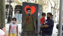 傳曼城260億肥約網羅梅西 街頭塗鴉諷刺要出走
