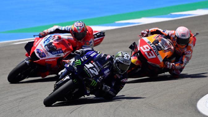 Monster Energy Yamaha, Maverick Vinales, saat berlaga pada MotoGP 2020 di Sirkuit Jerez, Spanyol, Minggu (19/7/2020). Quartararo berhasil finis di posisi pertama dengan catatan waktu 41 menit 23,796 detik. (AFP/Javier Soriano)