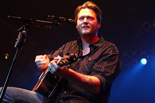 Blake Shelton Planning Benefit for Oklahoma Tornado Victims