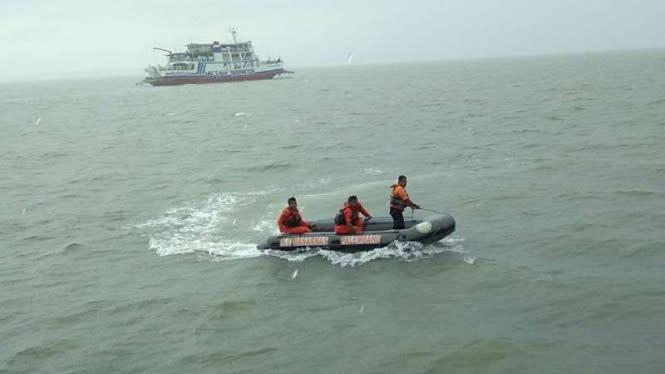 Perairan Dangkal, Tim SAR Kesulitan Cari 2 Korban Hilang Kapal Obama
