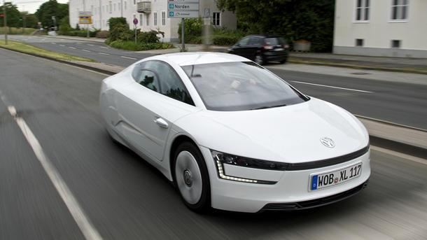 Volkswagen XL1, wheeling a 262-mpg orb: Motoramic Drives