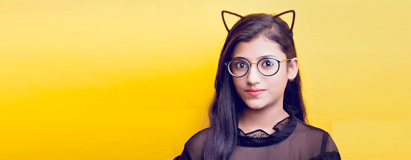 15-year-old Samreen puts out fun sketches that draw heavily from relatable experiences as an Indian. And it has garnered 1.75 million subscribers on YouTube, over 300,000 followers on TikTok, and over 40,000 on Instagram.