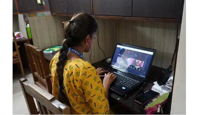 Ilustrasi Sekolah online (Sumber: India Times)