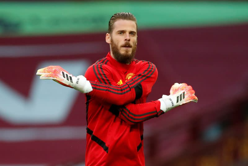 Manchester United's De Gea needs more trophies, says Solskjaer