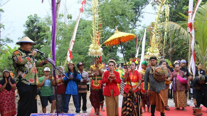Kenalkan Wisata Kampung Bambu, Desa Seketi Sidoarjo Gelar Pawai Budaya