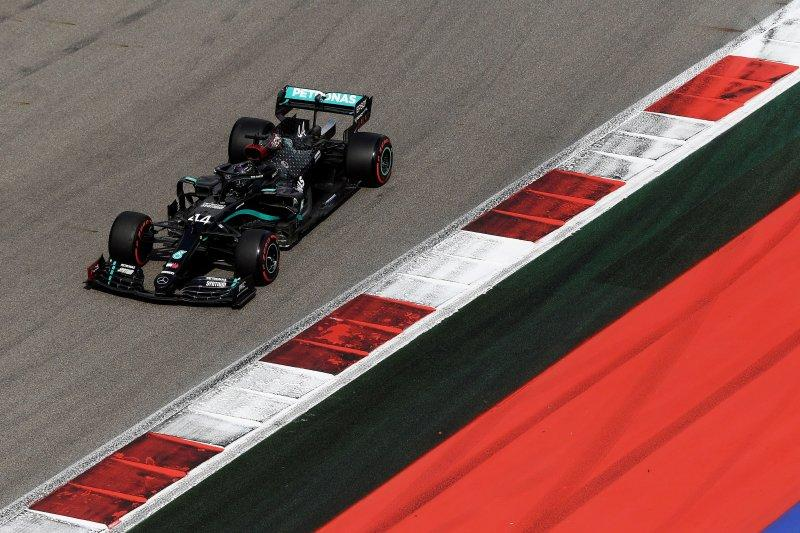 Hamilton ungguli Bottas dan Sainz di FP3 GP Rusia