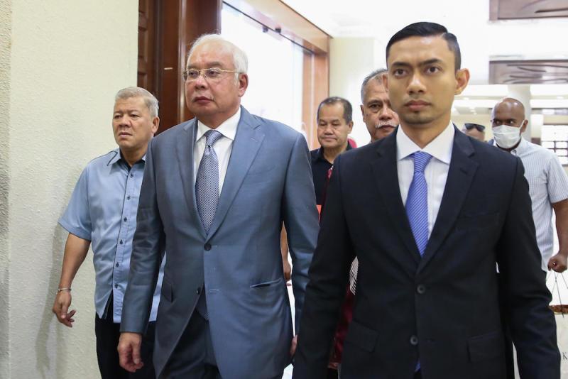 Datuk Seri Najib Razak arrives at the Kuala Lumpur Courts Complex September 18, 2019. — Picture by Yusof Mat Isa