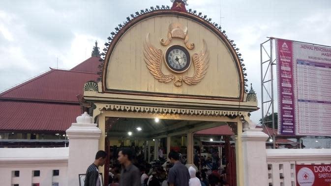 Jemaah Masjid Gede Kauman pada Ramadan tahun ini membludak. (Liputan6.com/Fathi Mahmud)
