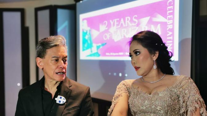 Fariz RM bersama Permata Belladona dalam perayaan dua tahun bebas narkoba