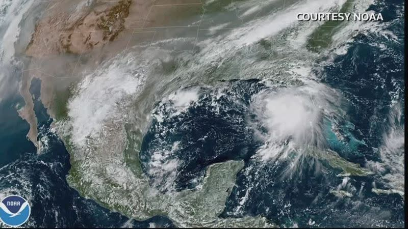 U.S. Gulf Coast prepares for second hurricane in a month