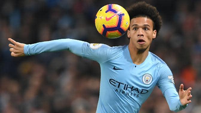 6. Leroy Sane (Manchester City) – Pemain muda Manchester City, Leroy Sane, juga tercatat memiliki kecepatan di atas rata-rata. Sane mampu melesat dengan kecepatan 35.04km/jam. (AFP/Paul Ellis)