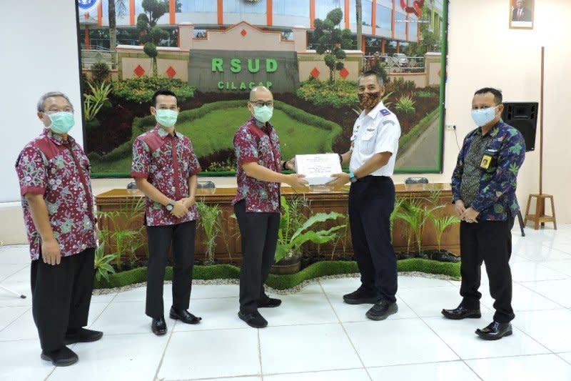 Bandara Tunggul Wulung salurkan bantuan APD ke RSUD Cilacap