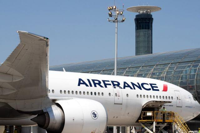 Air France to check passengers' temperatures, require masks