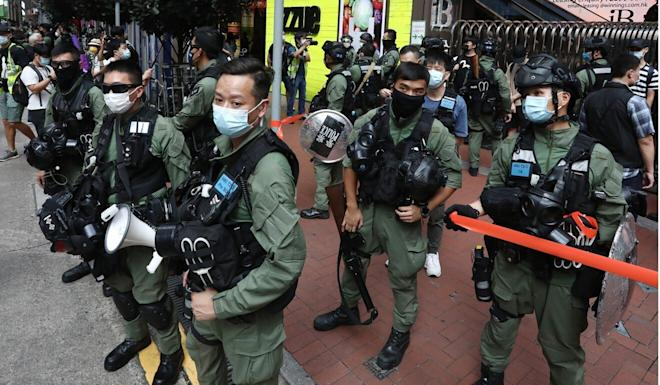 There was a heavy police presence in Causeway Bay. Photo: Jonathan Wong