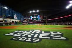 Bisbol berencana hadirkan penonton di World Series