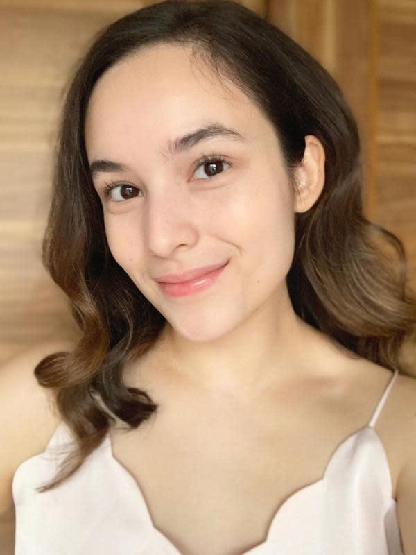 Melihat potret Chelsea Islan dengan makeup natural hingga bold (Foto: instagram/chelseaislan)