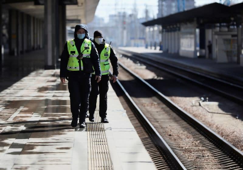 Ukraine to further restrict public transport in Kiev