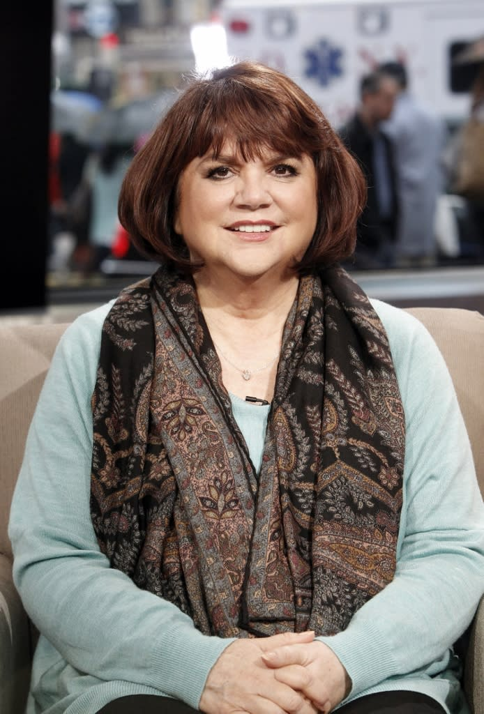 Linda Ronstadt's 'Simple Dreams' Bio Relates Stories More Crazy Than Simple