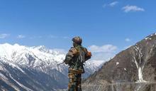 中印邊境「四面楚歌」!解放軍山脊哨所狂播印度歌曲 印軍覺得困惑