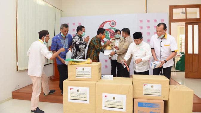 Sambangi IDI, PKS Sumbang APD dan Alkes untuk Tim Medis Penanganan Corona Covid-19