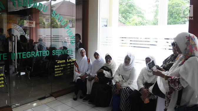 DPR Cari Cara Berangkatkan Umrah Korban First Travel