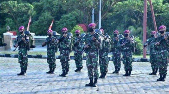 VIVA Militer : Pasukan Marinir TNI AL yang akan bertugas menjaga pulau terluar