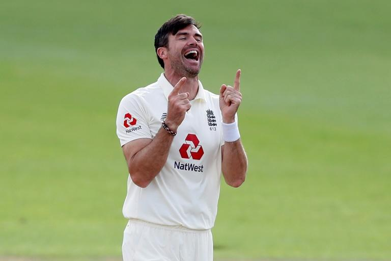 Anderson celebrates 600th Test wicket as England draw with Pakistan