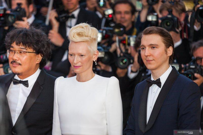 "Tilda Swinton dikabarkan akan bintangi serial adaptasi ""Parasite"""