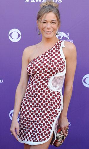 LeAnn Rimes enters inpatient treatment facility for emotional issues