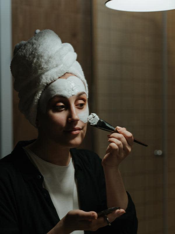ilustrasi cara membuat masker wajah dari sayuran yang cukup unik dan bisa mencerahkan wajah/cottonbro/pexels