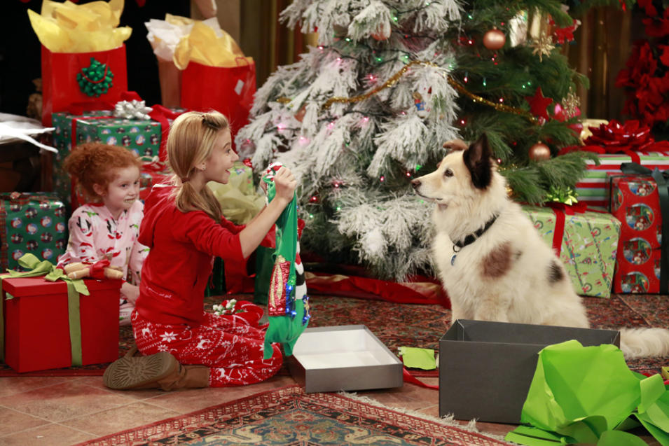 """Dog With a Blog"" - ""Bark! The Herald Angels Sing"" on Disney Sunday, 12/2 at 8pm"